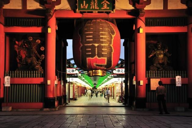 浅草寺雷門の夜景