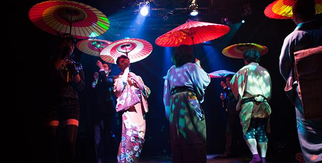 あやめ十八番『ゲイシャパラソル』 作・演出=堀越涼 2016年5月、サンモールスタジオ